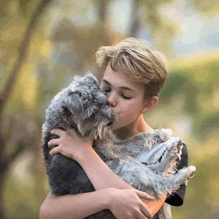 5 surprising effects of hugging your puppy